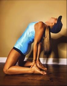 yoga melanie
